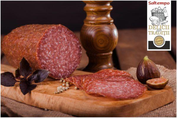 Produs preparat după metode italiene, obținut din carne de porc prin uscare și afumare lentă cu fum natural din lemn de fag. Condimente și arome specifice Italiei se regăsesc în fiecare felie de Salam Tivoli.